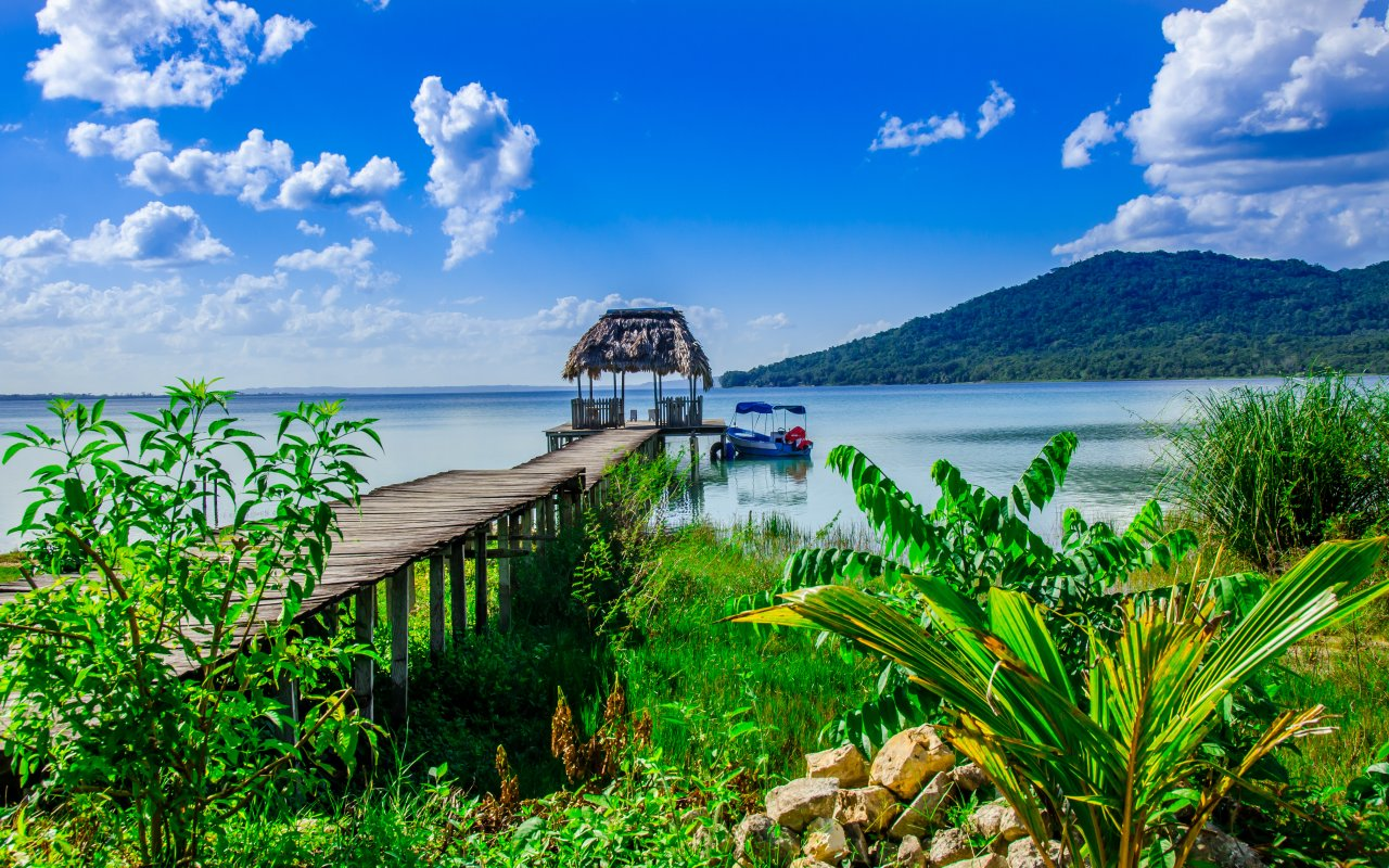 Region du lac Peten au Guatemala