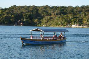 Tour en bateau sur le Lac Petén Itza au Guatemala